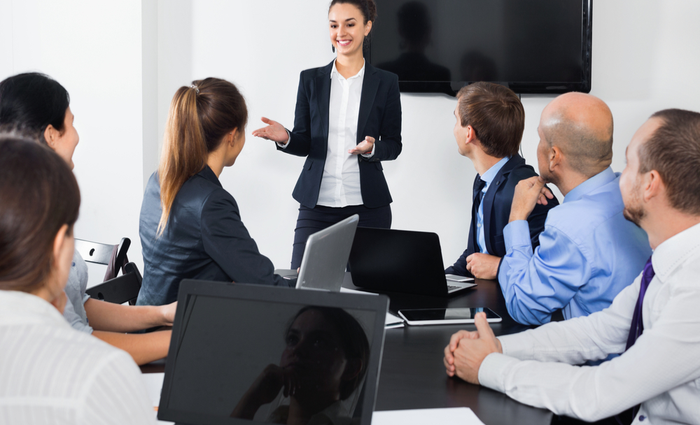 10 Body Language Signals Every Leader Needs to Know