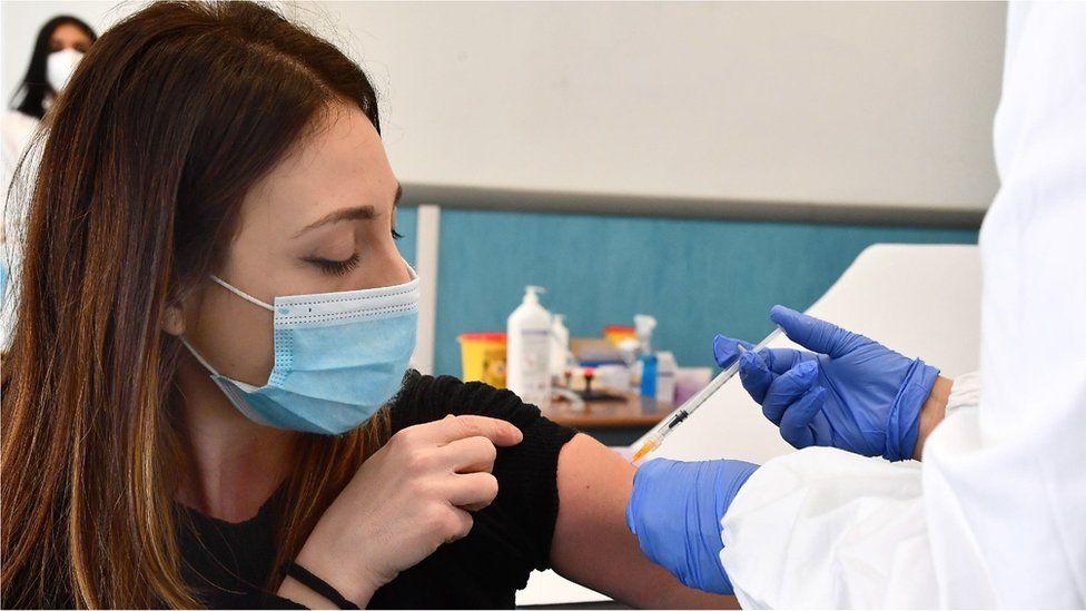 Anh: Vaccine AstraZeneca cung cấp hiệu quả bảo vệ suốt đời